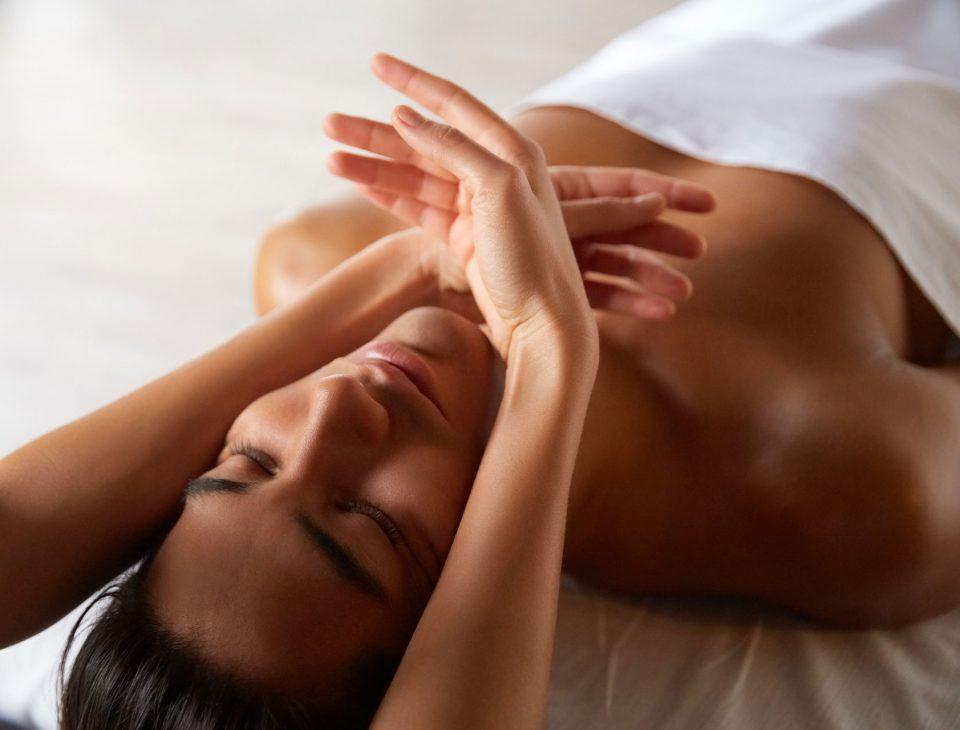 handsome-young-man-getting-massage-PXATEWM.jpg
